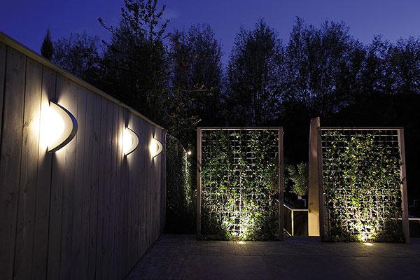 clairage et luminaires ext rieurs pour terrasses clairage ext rieur in lite pour jardins. Black Bedroom Furniture Sets. Home Design Ideas